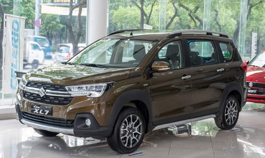 Suzuki XL7 màu Khaki